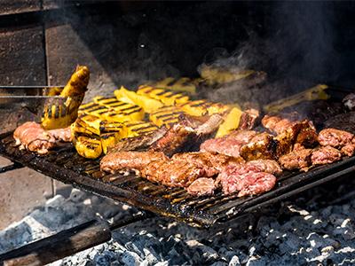 Grigliata con carne mista e Polenta